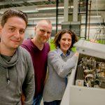 Hendrik Göddeke, Lars Schäfer und Enrica Bordignon (von links) im Labor © RUB, Marquard