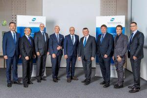 Vorstand und Geschäftsführung der PVS mit Hermann Gröhe, MdB und Ulrich Scholten