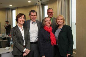 Sonja Leidemann, Prof. Dr. Martin Butzlaff, Dr. Nadja Büteführ, Klaus Völkel und Hannelore Kraft (v.l.). Foto: Nicola Henning