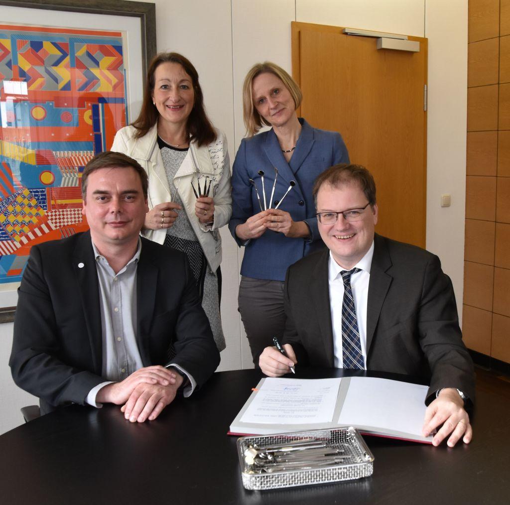 zahnklinik der universitt wittenherdecke reinigt instrumente - Witten Herdecke Medizin Bewerbung