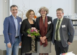 "Drei Hochschulen kooperierten beim ""3. Interprofessionellen Ausbildungskongress"" (v. l.): Prof. Dr. Beate Klemme (FH Bielefeld), Prof. Dr. Sven Dieterich (hsg), Prof. Dr. Ursula Walkenhorst (Universität Osnabrück) und Prof. Dr. Thomas Evers (hsg)."