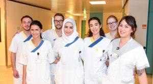 Mit großem Engagement und viel Spaß leiten die Schülerinnen und Schüler ihre Station. (c) PR-Fotografie Köhring