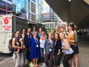Das Team des Studienbereichs Hebammenwissenschaft der hsg sowie einige Studierende besuchen noch bis zum 22. Juni 2017 den Internationalen Hebammenkongress in Toronto.