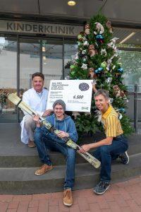 Kinderarzt Prof. Rainer Büscher, junger Patient, Susanne Rosendaal, Store Managerin IKEA Essen