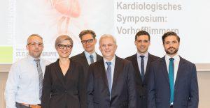 Prof. Dr. Hans-Joachim Trappe (3.v.r.) informierte zusammen mit dem Team der Medizinischen Klinik II über Vorhofflimmern.