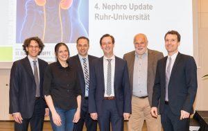 Das Expertenteam rund um Prof. Dr. Timm Westhoff (3. v. r.), Direktor der Medizinischen Klinik I, Marien Hospital Herne, informierte während des 4. Nephro Update Ruhr-Universität über die neuesten Fortschritte und Entwicklungen in der Nephrologie.