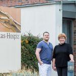Bereits seit der Gründung 2007 leitet Anneli Wallbaum (rechts) das Lukas Hospiz in Herne.